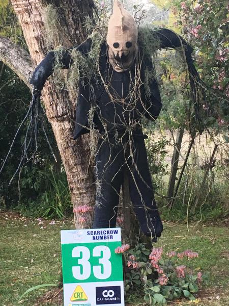 33 - Dark Night of the Scarecrow